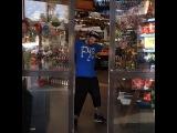 В США есть автоматы, которые выдают деньги за вторсырье